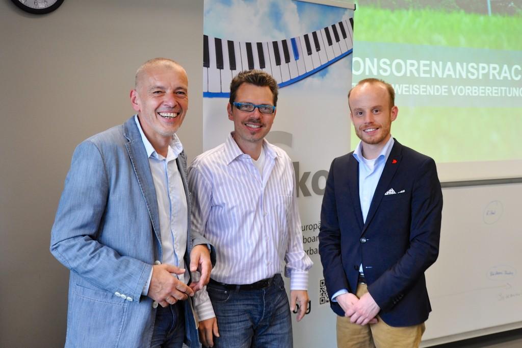 Klaus Peter Bösshar (Vorsitzender des EKOL) und Marcus Trübendörfer (Vorsitzender des bdpm in Baden-Württemberg) freuten sich über ein erfolgreiches Seminar von Andreas Söntgerath (re.).